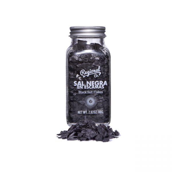 sal negra en escamas